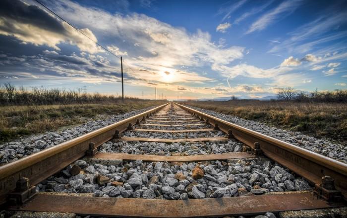 Железопътен и комбиниран транспорт